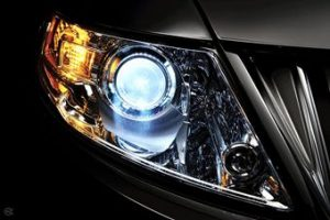 Car headlight plastic made using a plastic tool steel die